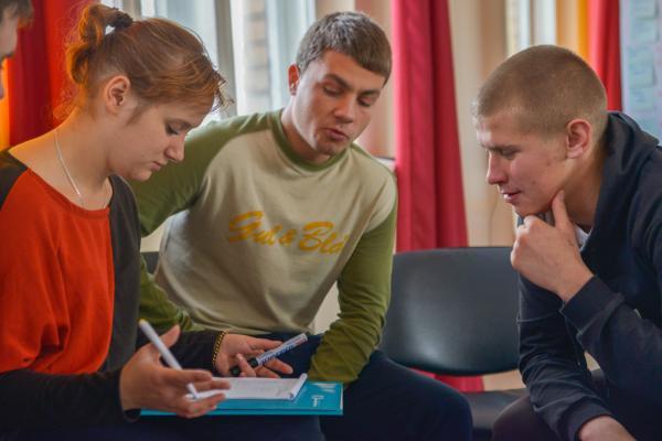 Знову разом: зустріч випускників молодіжного клубу «Як стати успішним»